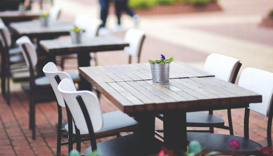 street-view-of-a-coffee-terrace-with-tables-and-chairs-6458